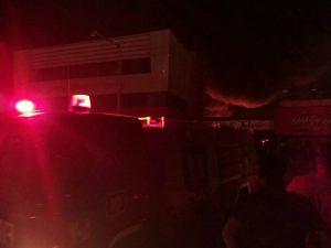 IMG 20191122 225752 148 300x225 آتش نشانان در حال مهار آتش سوزی بازار کنزالمال هستند